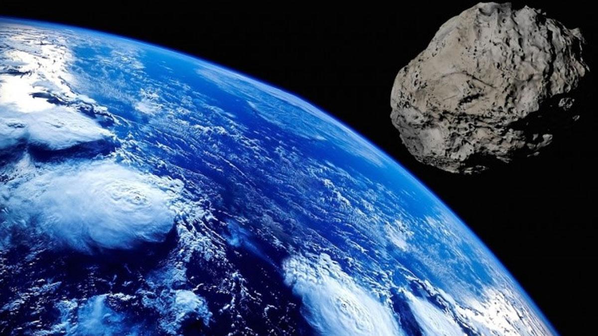 Devasa bir asteroid bu sabah dünyayı saatte 86 bin 400 kilometre hızla teğet geçti