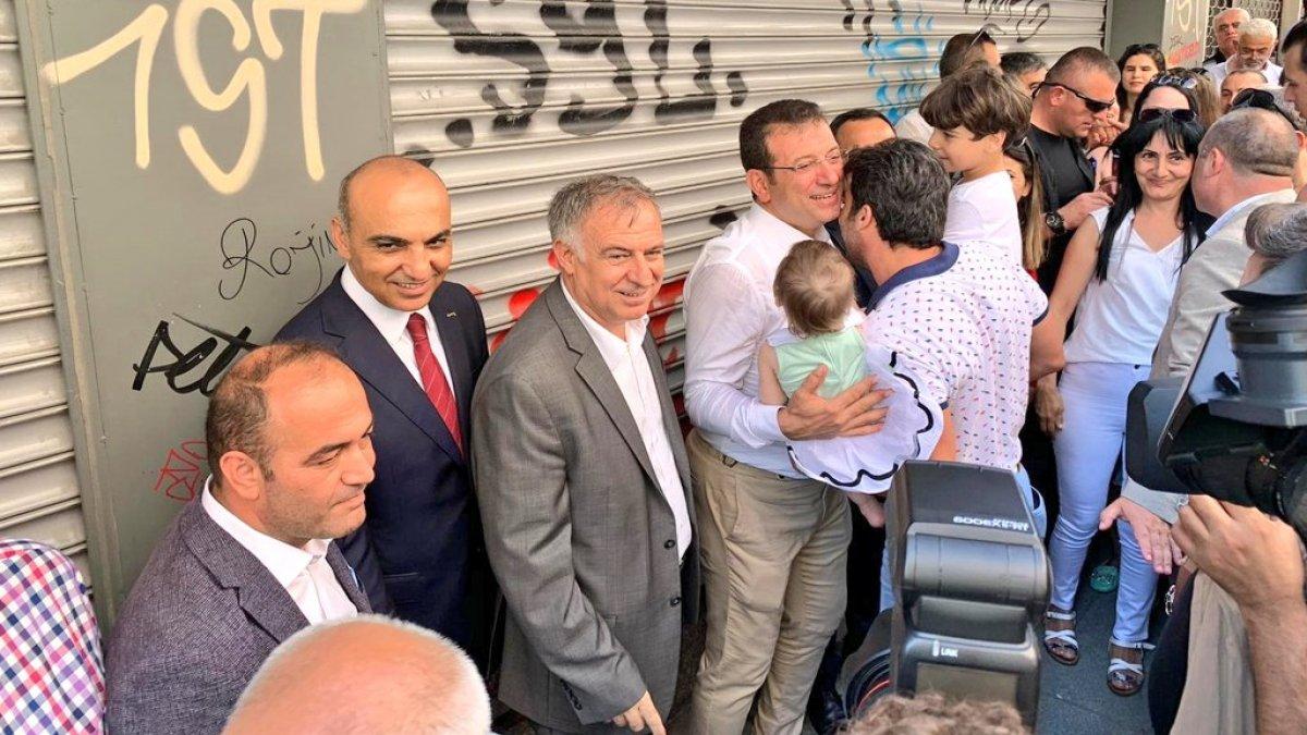 Ekrem İmamoğlu, vatandaşlarla bayramlaştı