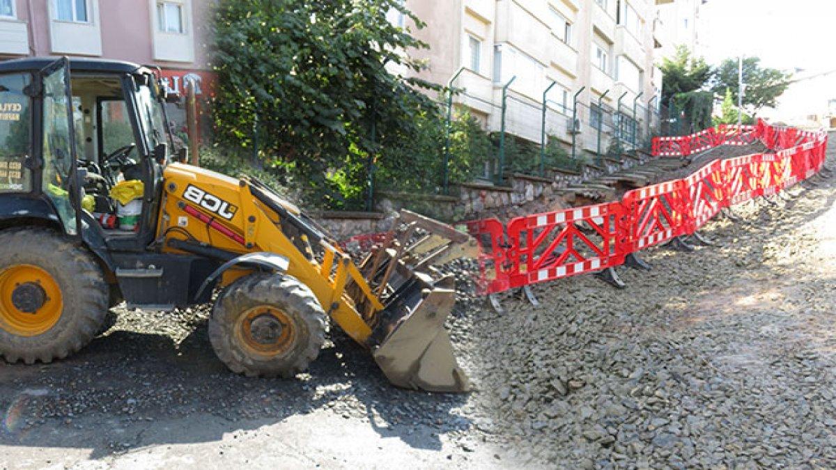 Belediye düğmeye bastı! Üsküdar'da çöken yolda çalışmalar başladı