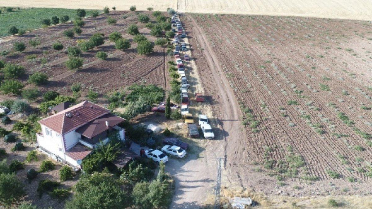 Görenler inanamadı! Bir evde 50 araç...