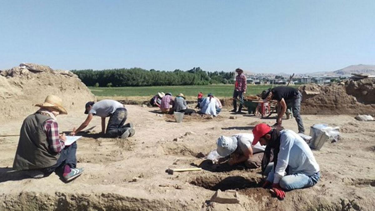Van kayyumundan bir icraat daha: Arkeolojik kazıyı durdurdu