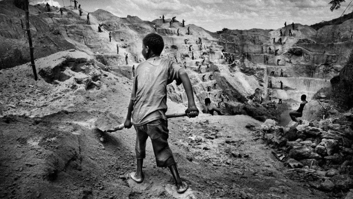 Kapitalizmin gerçek yüzü: Dörtte biri çocuk, 40 milyondan fazla insan köleleştirildi
