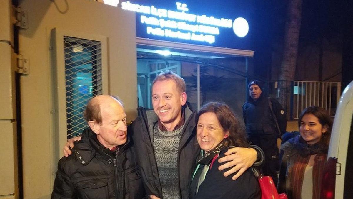 Türkiye'de tutuklu bulunan Avusturyalı gazeteci Zirngast beraat etti