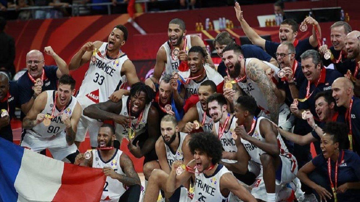 Geriye yalnız final kaldı: Fransa, 15 sayı geriden gelip üçüncülüğü kazandı