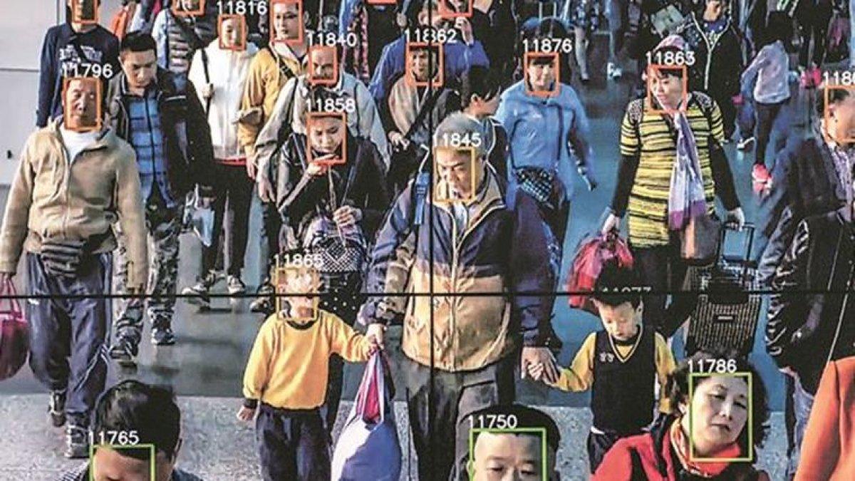 Biri bizi gözetliyor: Yapay zeka 75 ülkede insanları aktif olarak izliyor