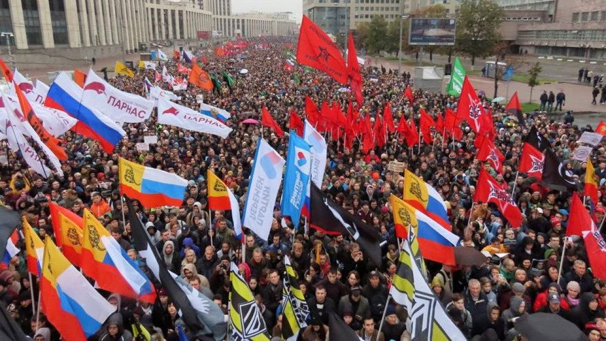 Büyük protesto! Muhalifler meydanlara indi...