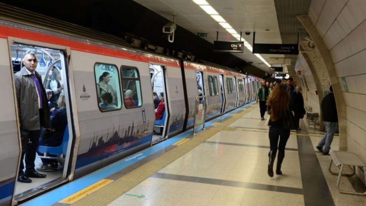 İstanbul'da metro hatlarında arıza: Seferler aksadı