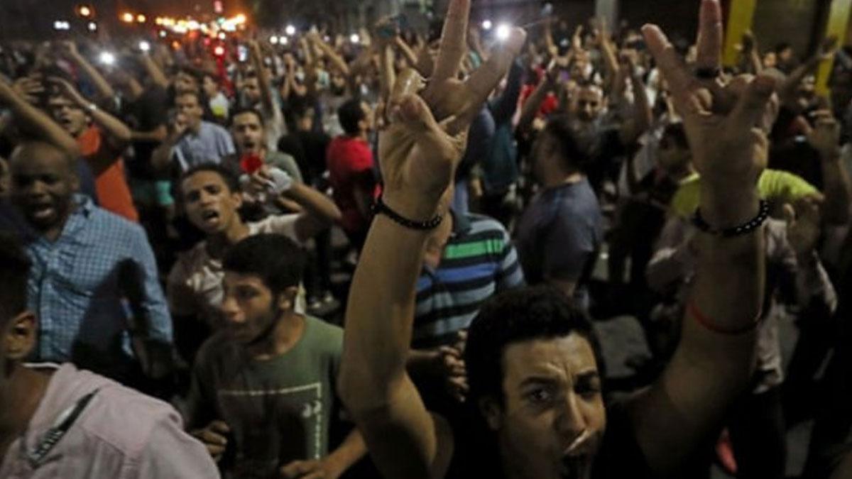 Mısır protestolarında 100'den fazla çocuk tutuklandı