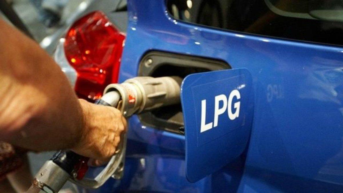 Akaryakıta bir zam daha: Pompa fiyatlarına yansıyacak
