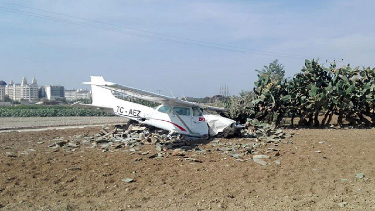 Antalya'da eğitim uçağı kaza yaptı!