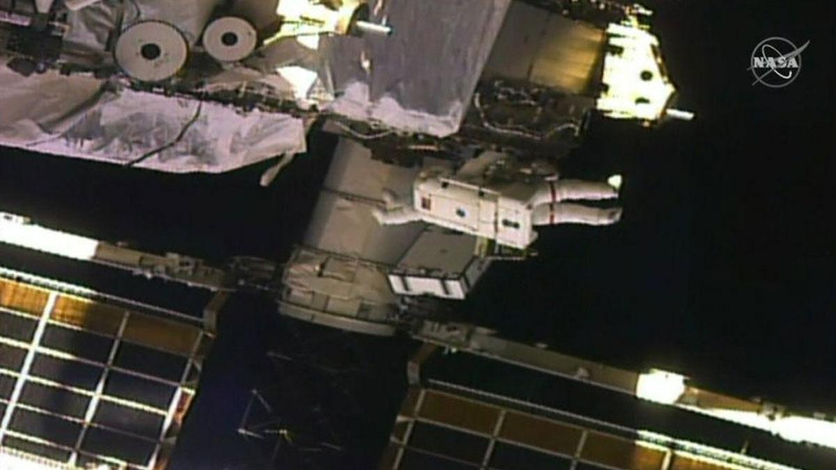 Kadın astronotların gerçekleştirdiği uzay yürüyüşü tarihe geçti