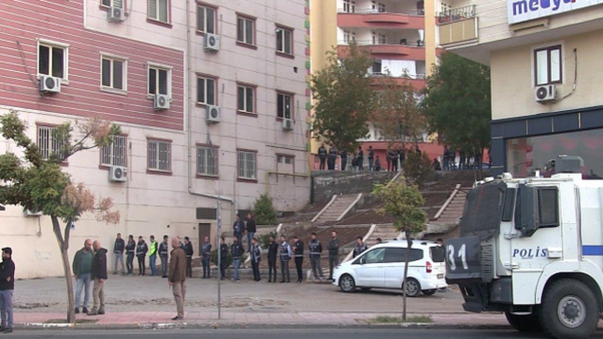 HDP il binası ablukaya alındı: Giriş çıkışlar kapatıldı