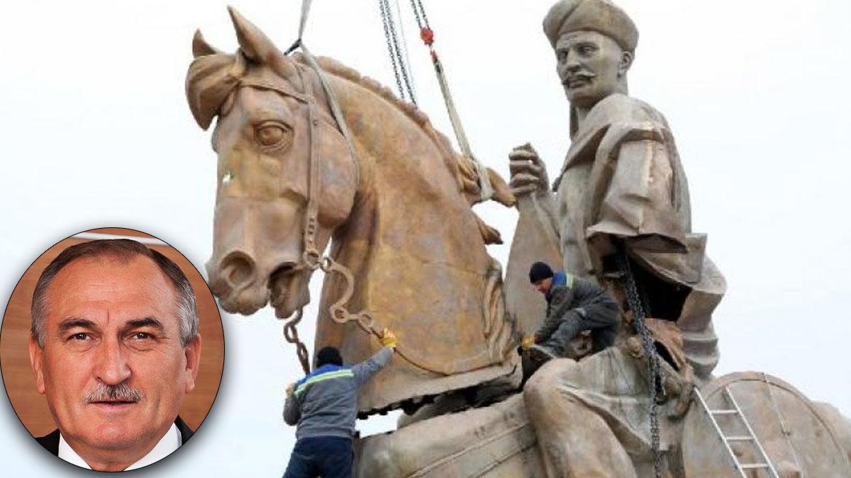 Köroğlu heykeli AKP'li eski belediye başkanına benzetilerek yaptırılmış