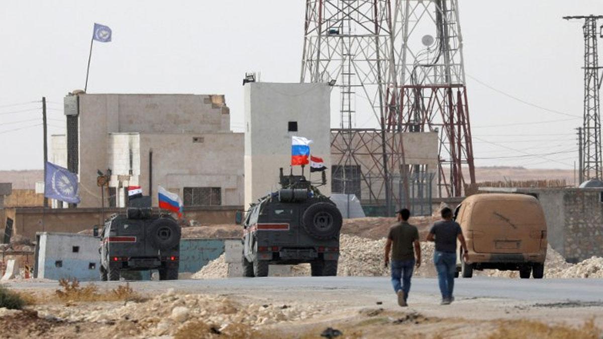 Rusya sınırda devriyeye başladı