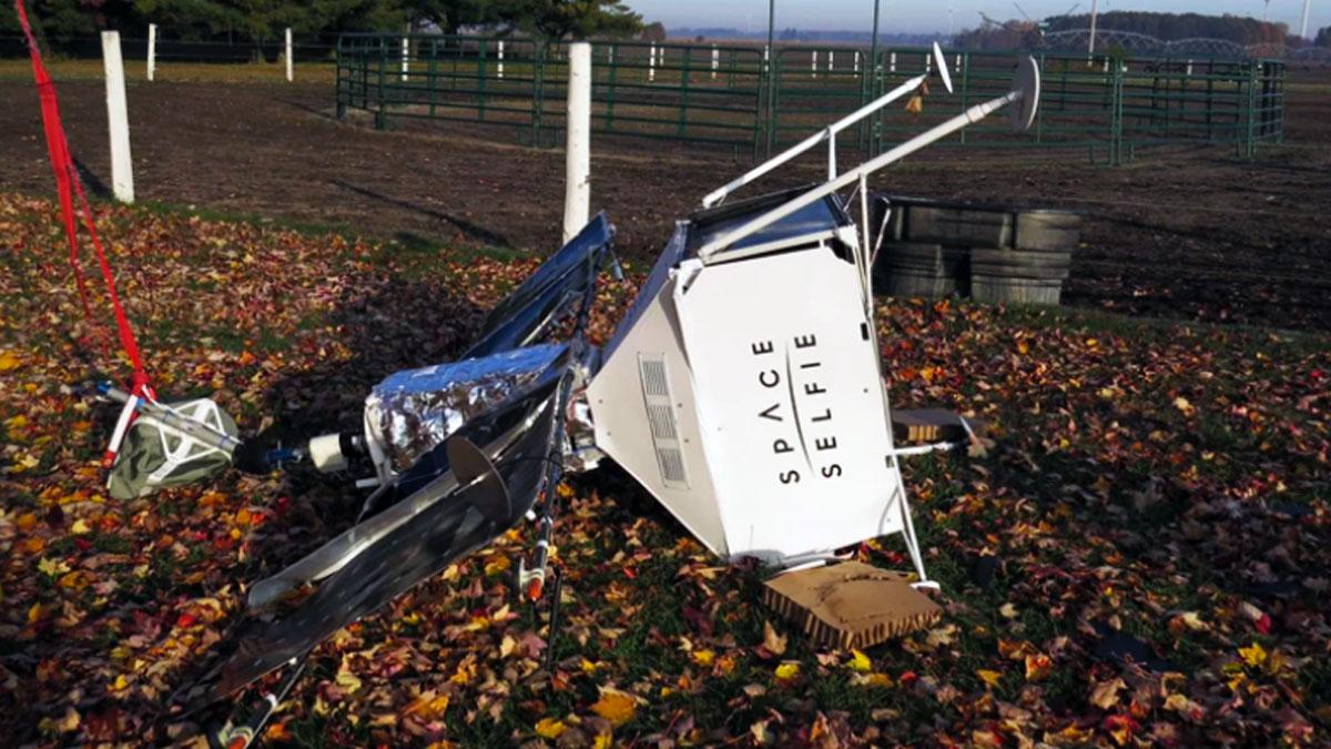 Samsung'un uzaya fırlattığı cihaz evin bahçesine düştü