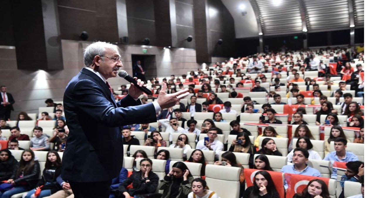 Kılıçdaroğlu, Cumhuriyet Bayramı'nda gençlerle bir araya geldi