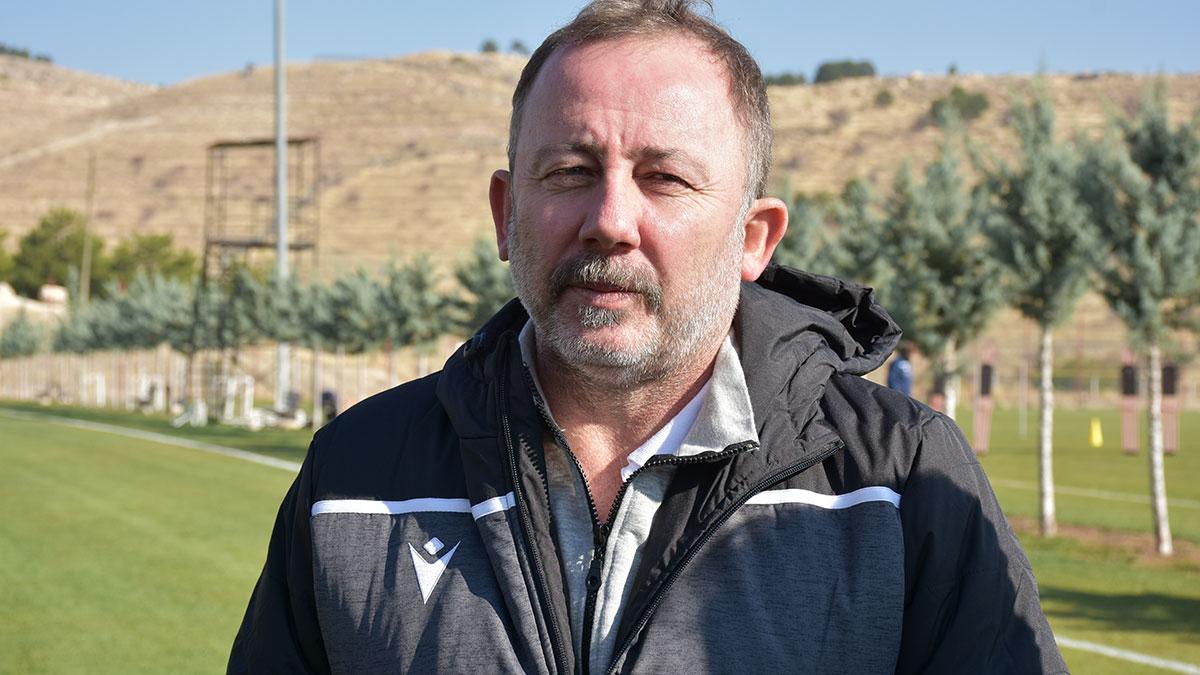 Sergen Yalçın'dan hakem Halis Özkahya'ya sert eleştiriler