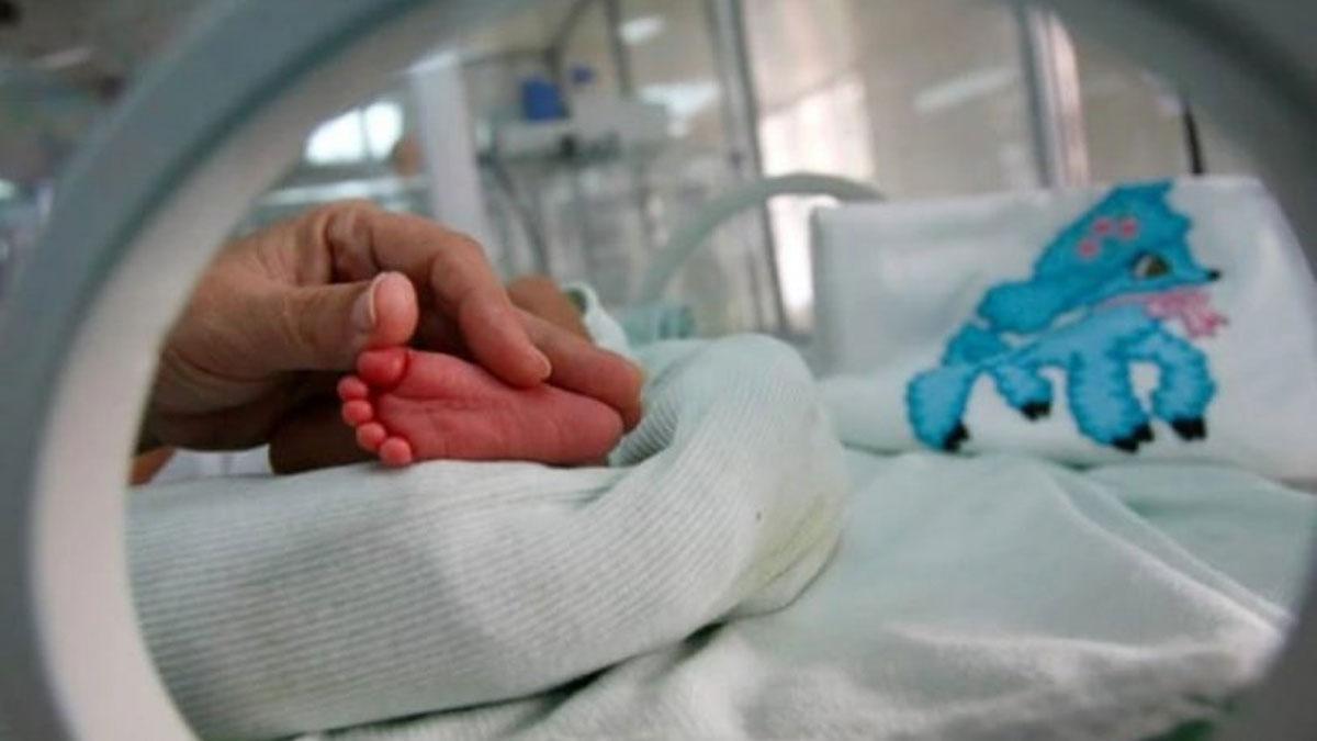 Cilt hastalığı var diye bebeği terk ettiler