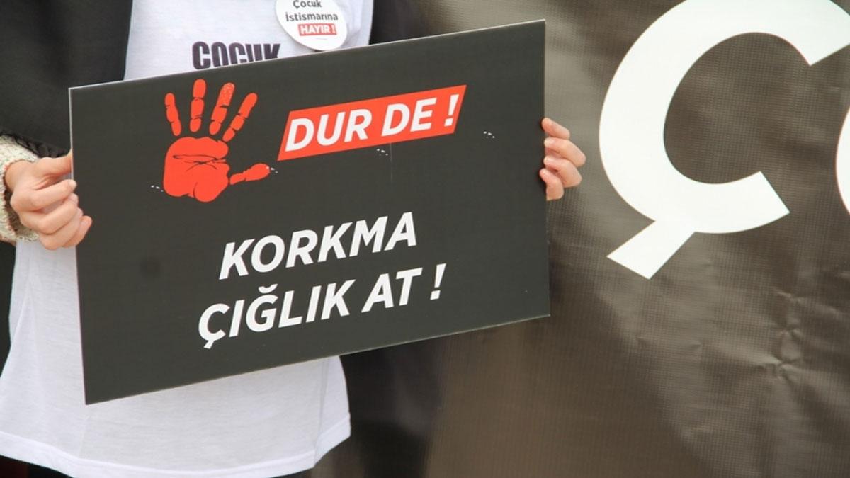 25 öğrenciye cinsel istismarda bulunan öğretmen hakkında bir suç duyurusu daha
