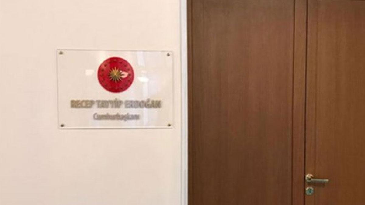 Yasama içinde yürütme: Erdoğan'ın Meclis'teki odasına 'Cumhurbaşkanı' tabelasına tepki