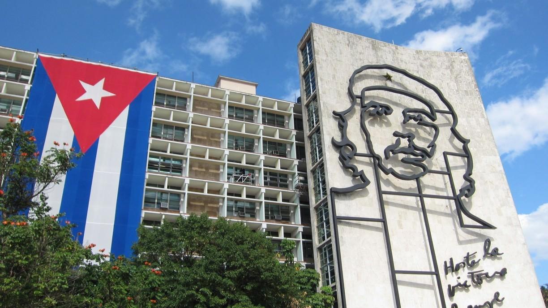 Küba, ABD ablukasını ezici üstünlükle mahkûm ettirdi
