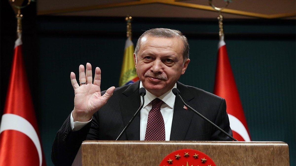 AKP toplantısında milletvekili itiraf etti: Yetkimiz yok ama fırçayı biz yiyoruz