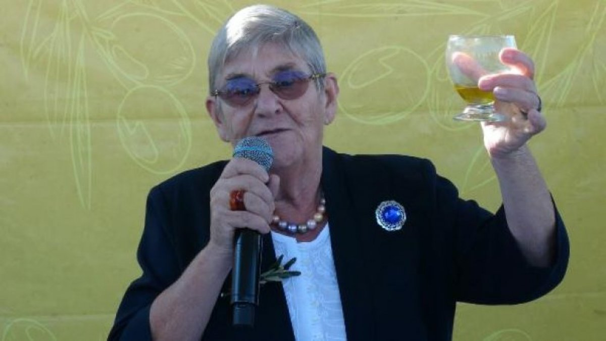 Canan Karatay: Alzheimeri ve bunamayı önler, herkesin sabah akşam içmesi lazım