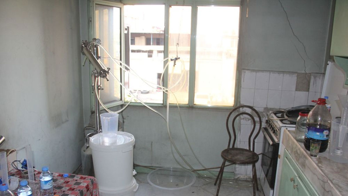 Süt sağma makinesiyle rakı ürettiler: 2 gözaltı