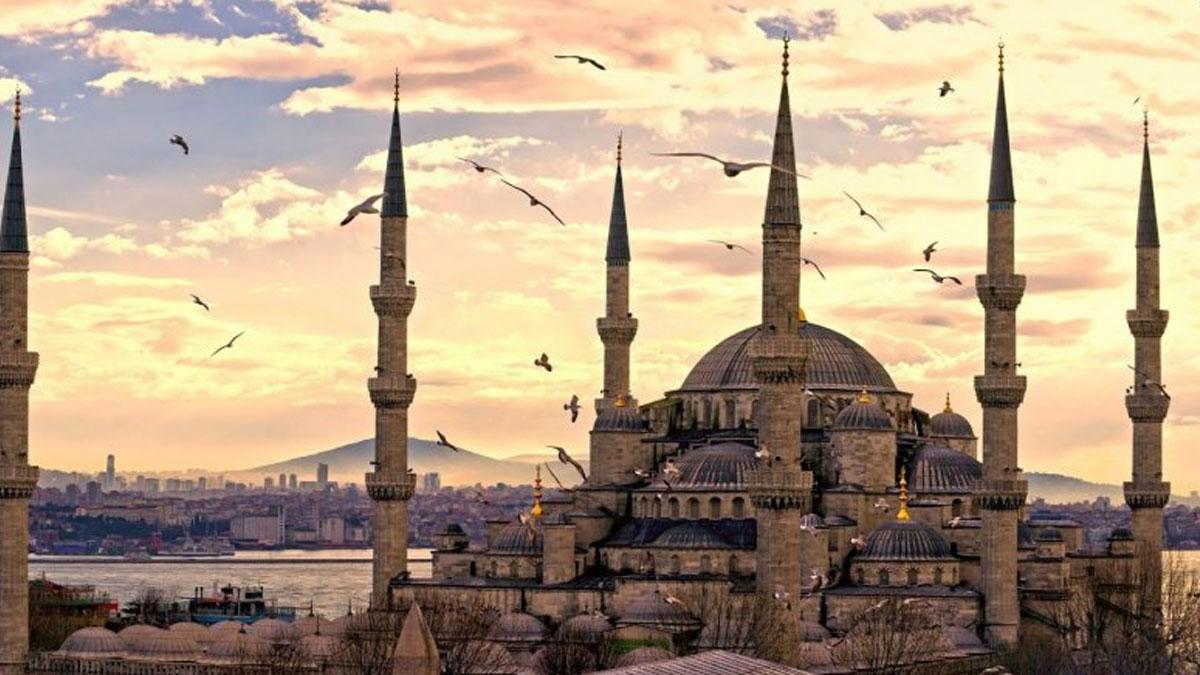 İstanbul Müftülüğü, ezan saatini değiştirdi