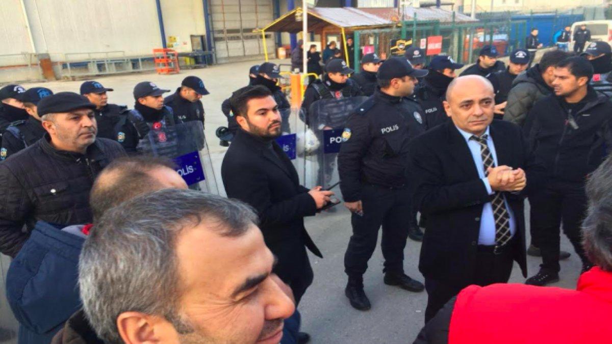 İşten çıkarılan işçilere polis müdahale etti