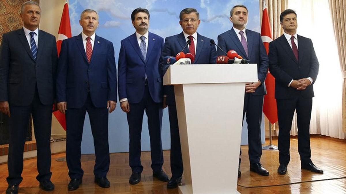 Davutoğlu'nun ekibinden ipucu: Huzurunuzdayız