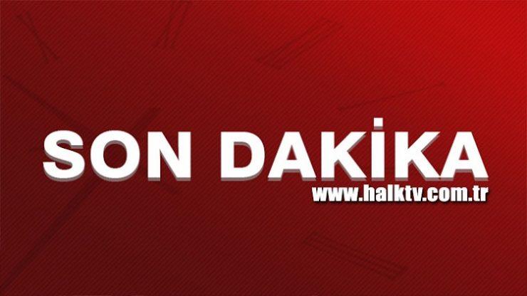 Kadıköy'de ilginç anlar: Otobüsün önünü kesip, yolu trafiğe kapattı
