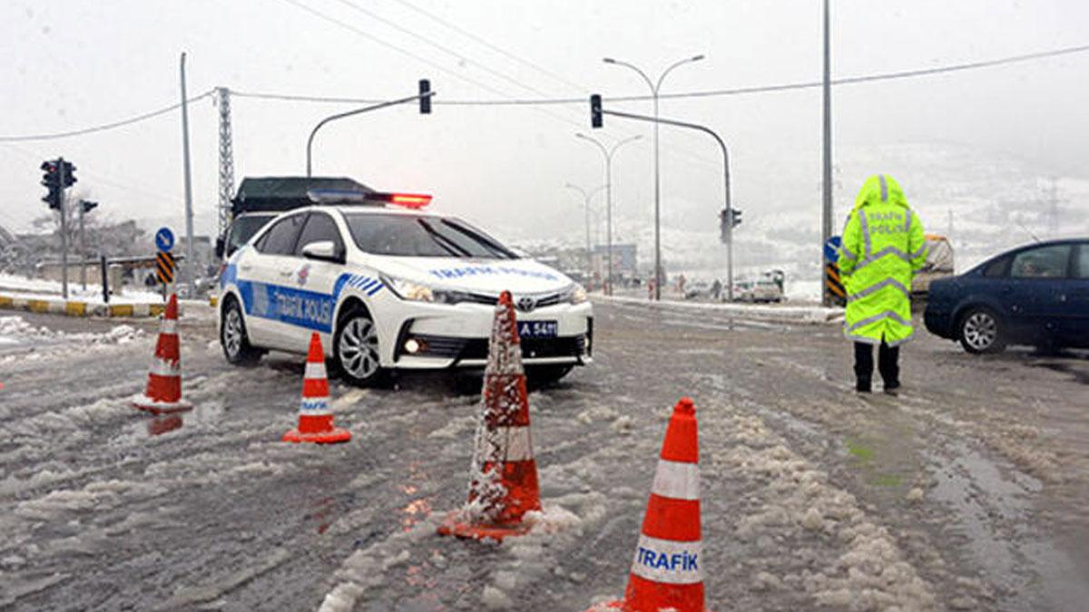 Kar nedeniyle Kahramanmaraş-Kayseri kara yolu ulaşıma kapandı