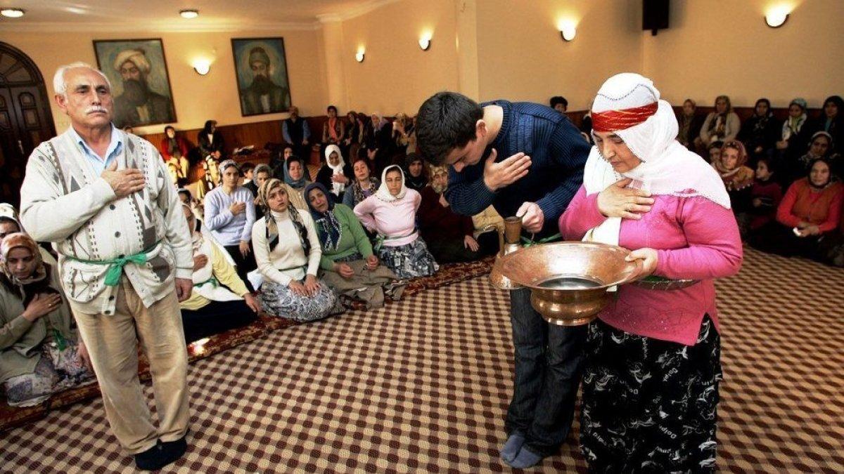 İzmir'de Cemevlerine ibadethane statüsü verildi