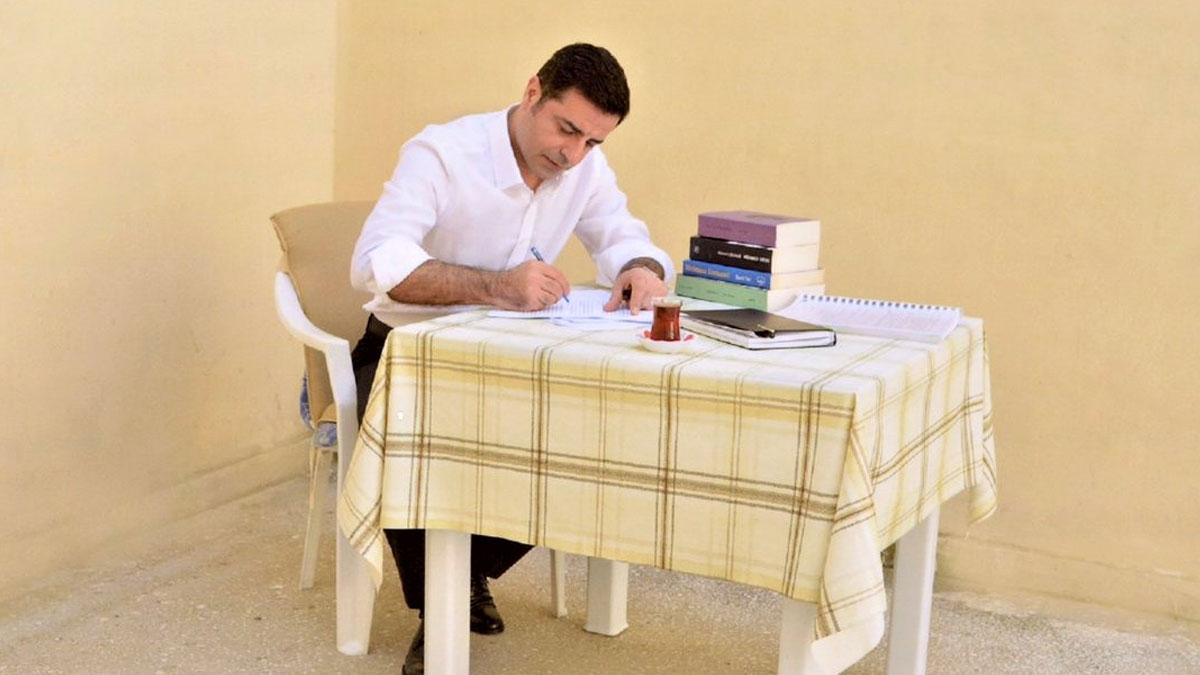 Demirtaş'ın kitapları satıştan kaldırıldı