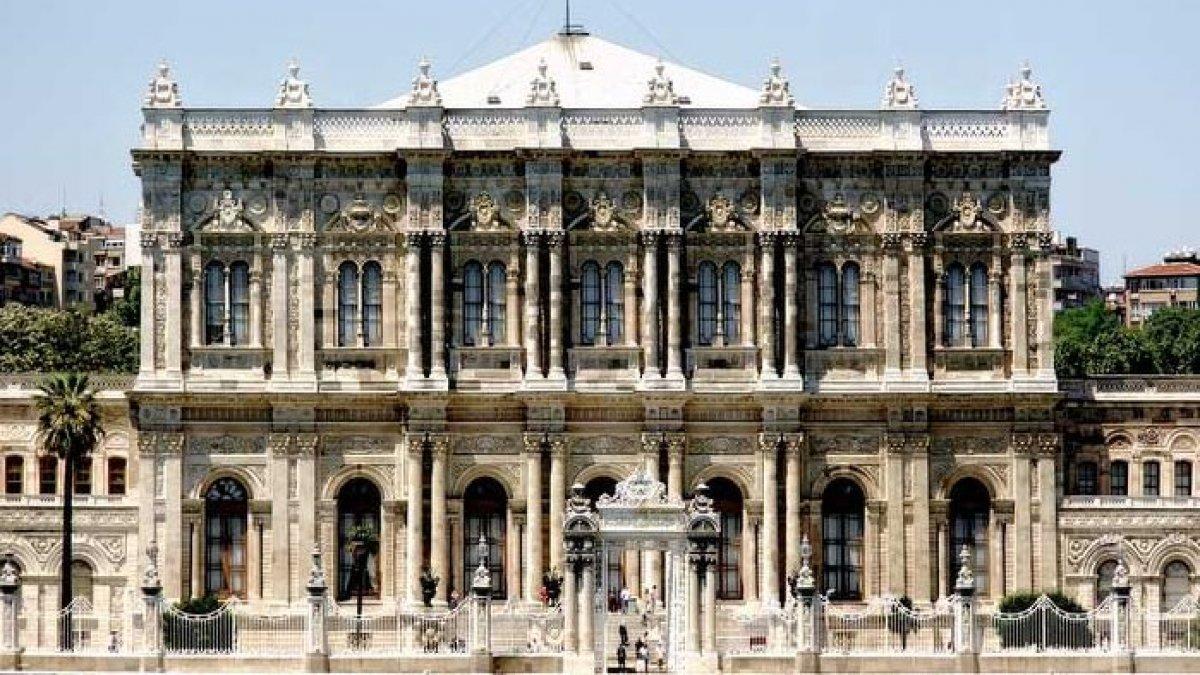 Dolmabahçe Sarayı'nın duvarından yüzyıllık gazete çıktı