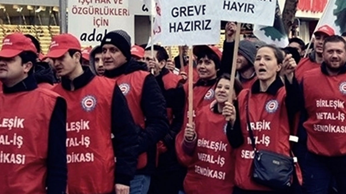 Metal işçileri grev kararını fabrikalara astı