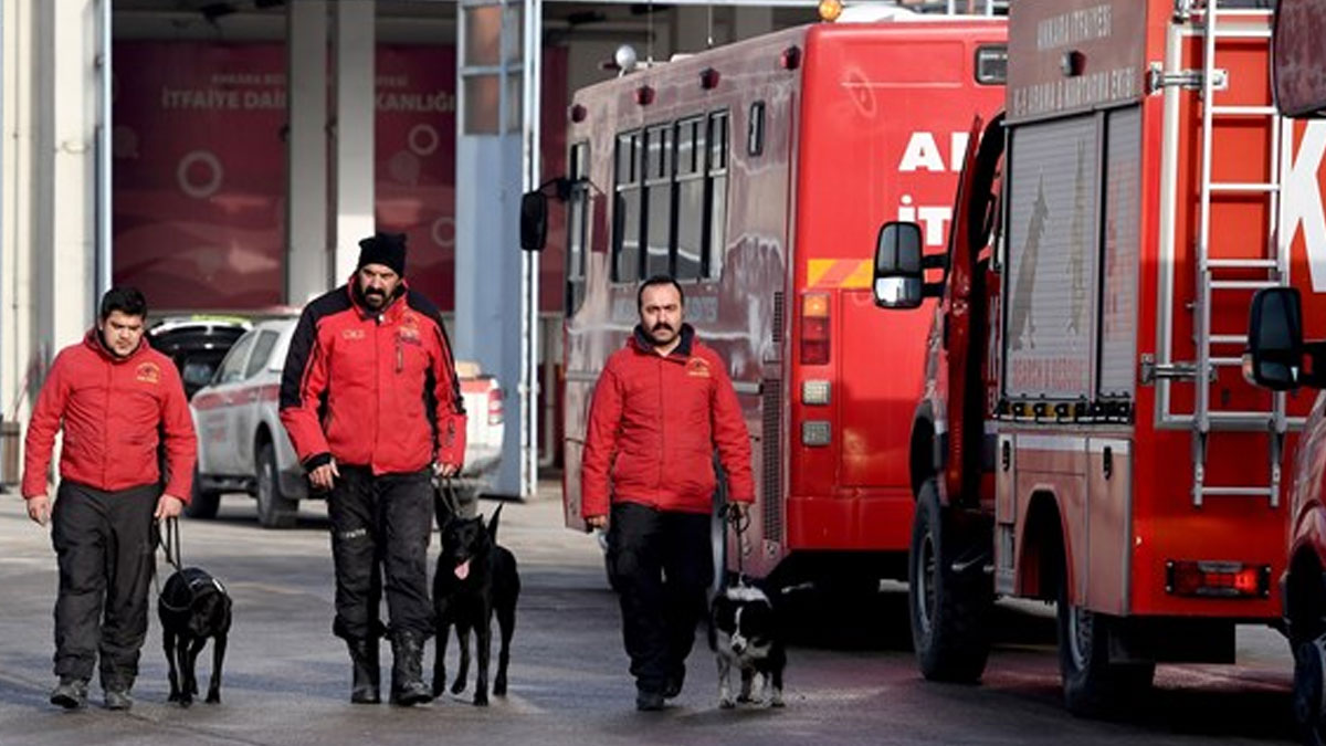 Deprem bölgesine giden Ankara Büyükşehir Belediyesi ekipleri döndü