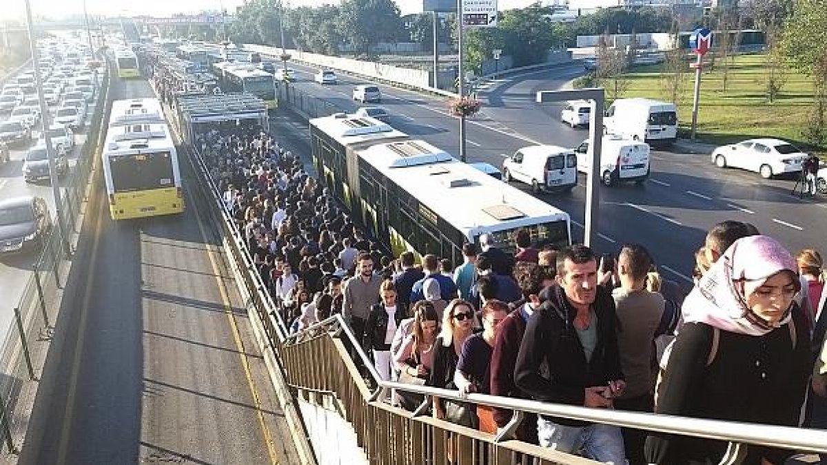 İstanbul'da toplu ulaşım zammı uygulanmaya başlandı