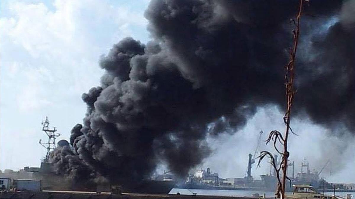 Trablus'ta limana saldırı: Türk gemisinin vurulduğu iddiası