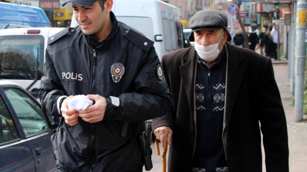 İstanbul'da emekli maaşını çeken yaşlı adam gasp edildi