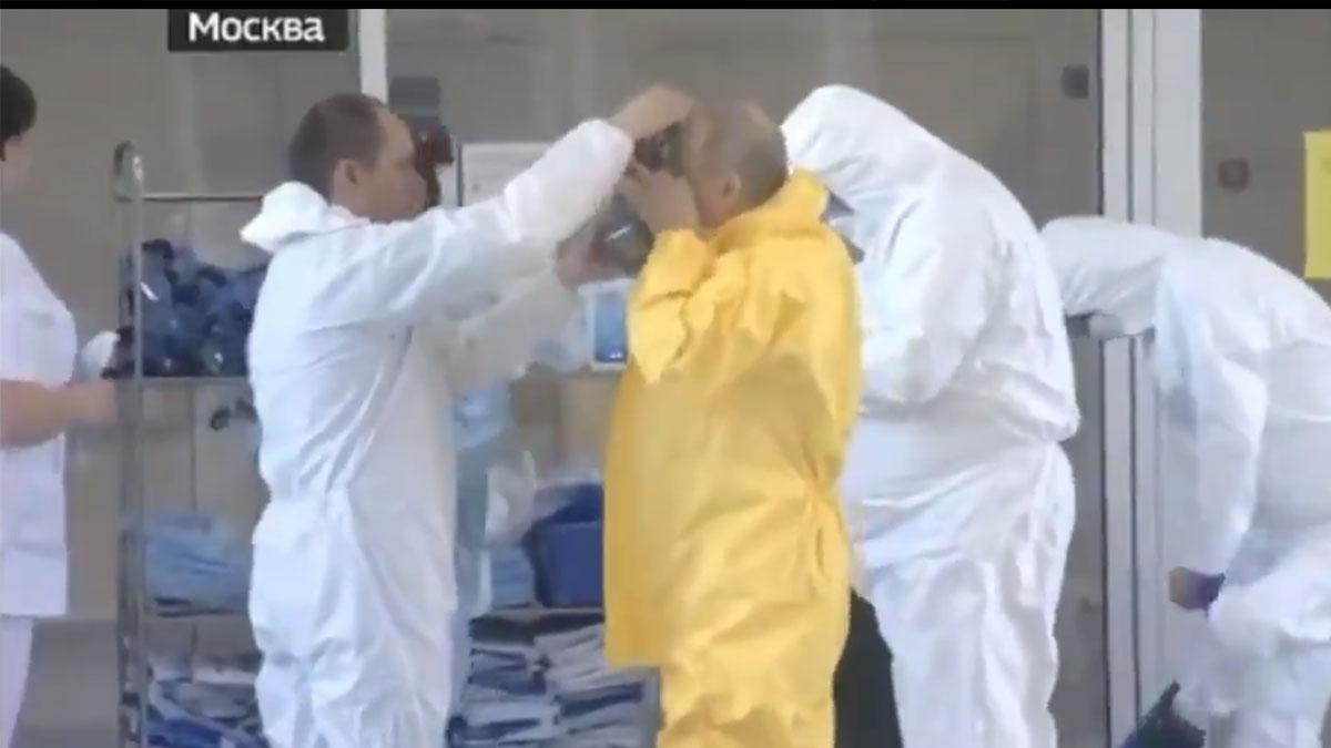 Putin, coronavirüs hastalarını ziyaret etti, koruma elbisesi giyerken görüntülendi