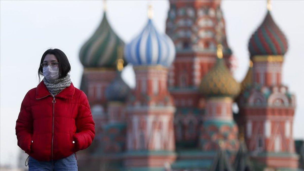 Rusya'da 1667 kişiye daha coronavirüs tanısı kondu