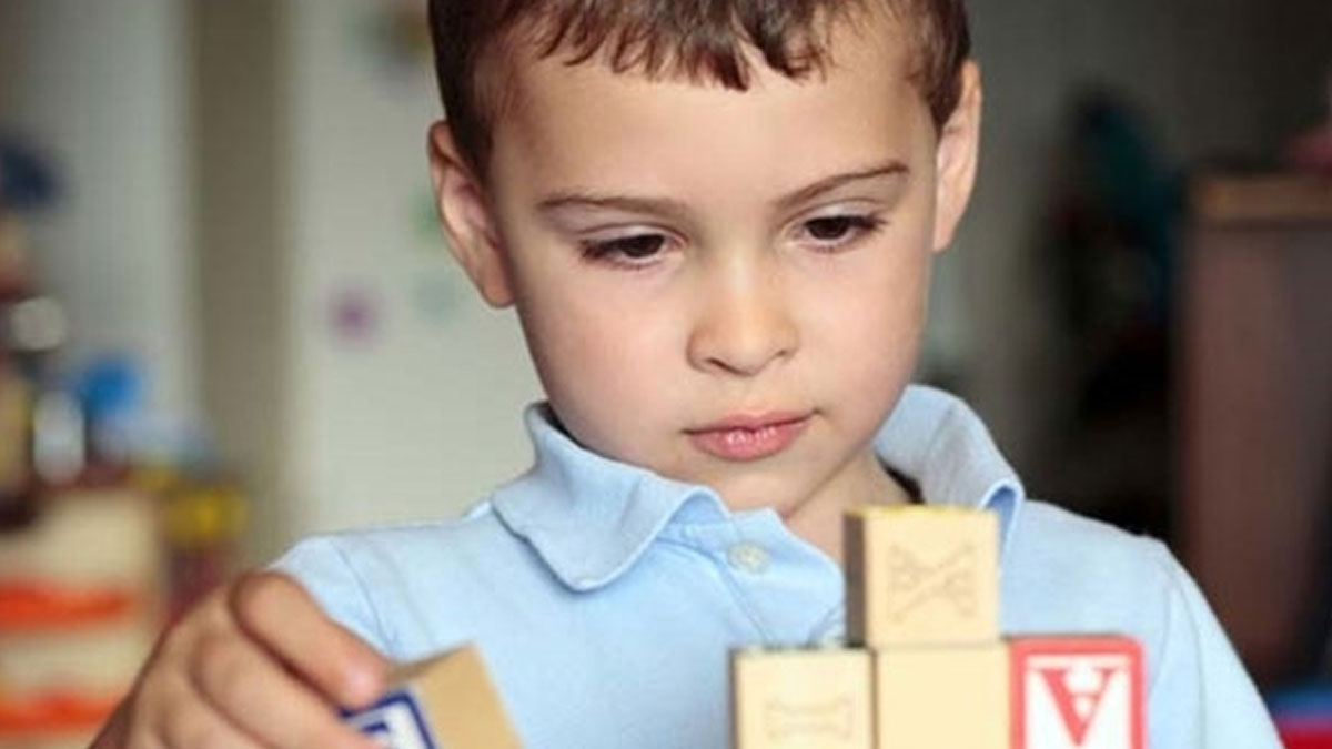 Coronavirüs, otizmli çocuklara nasıl anlatılmalı?