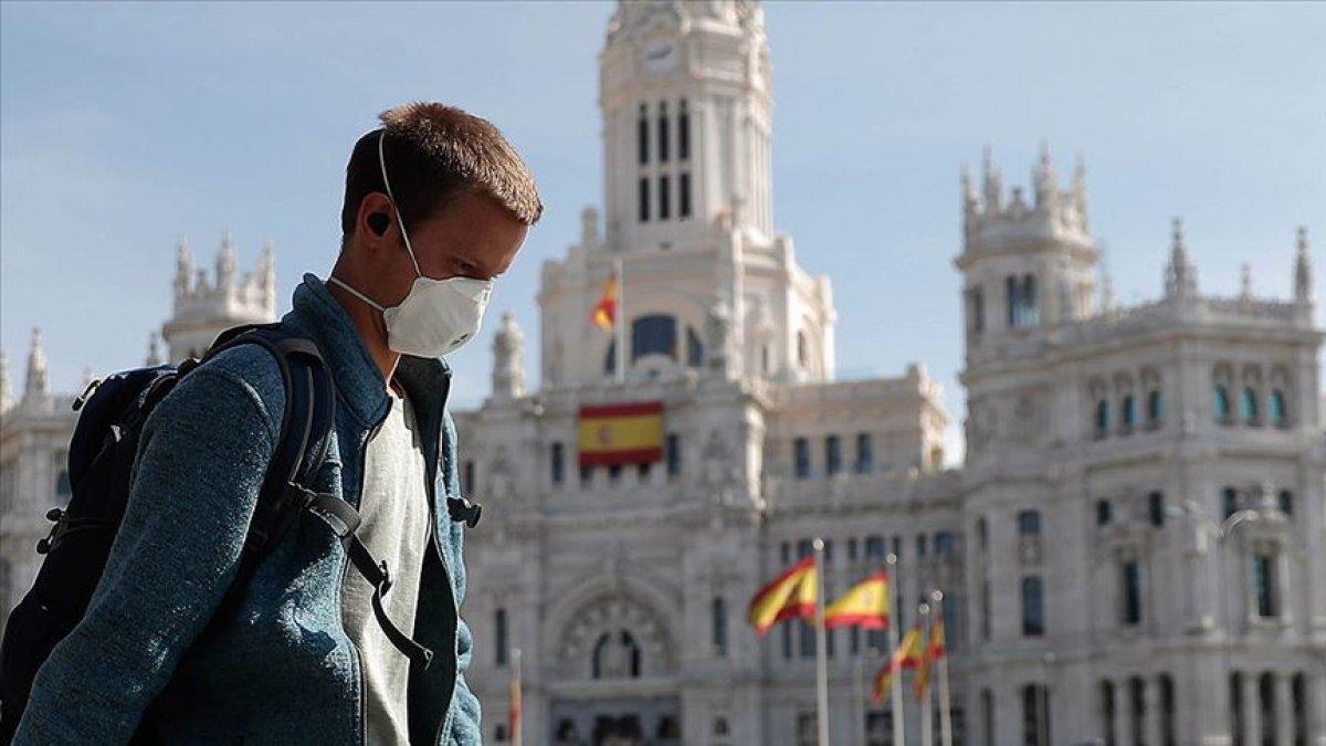 İspanya'da 6 yaş üstüne maske zorunluluğu geldi