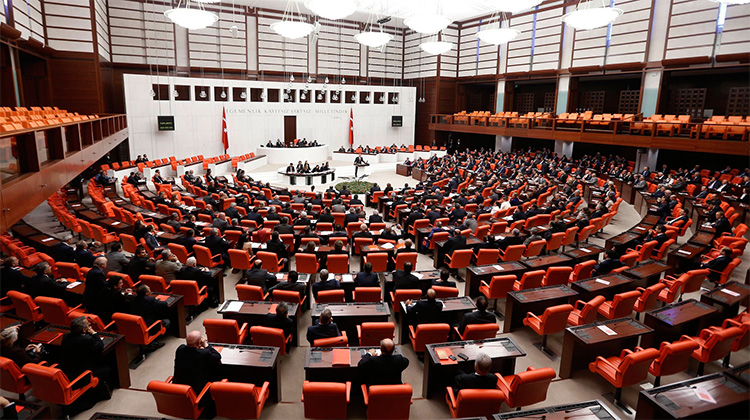 Türkiye'nin yeni hükûmet sistemine uyum paketi
