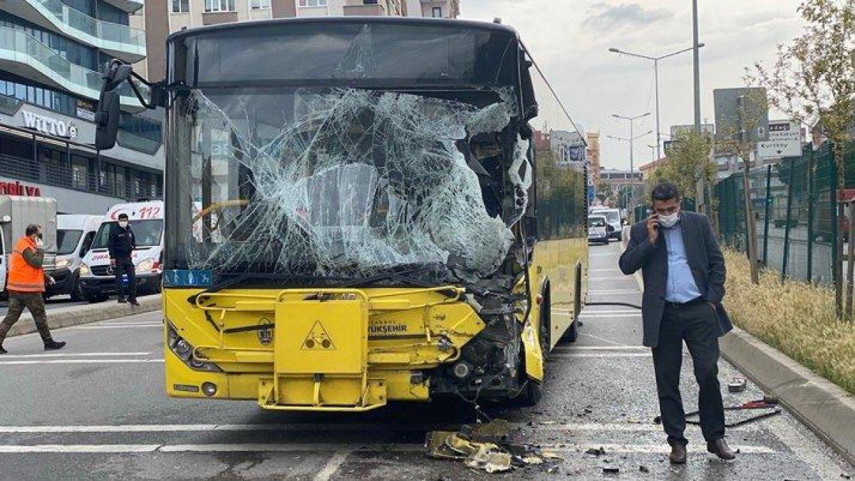 İstanbul'da İETT otobüsü ile tanker çarpıştı: 7 yolcu yaralandı