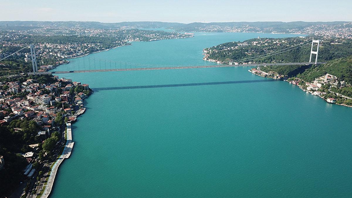 İstanbul Boğazı neden turkuaza büründü?