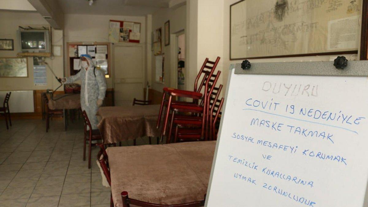 Kartal Belediyesi'nden ilçedeki kahvehane ve kıraathanelere dezenfekte hizmeti