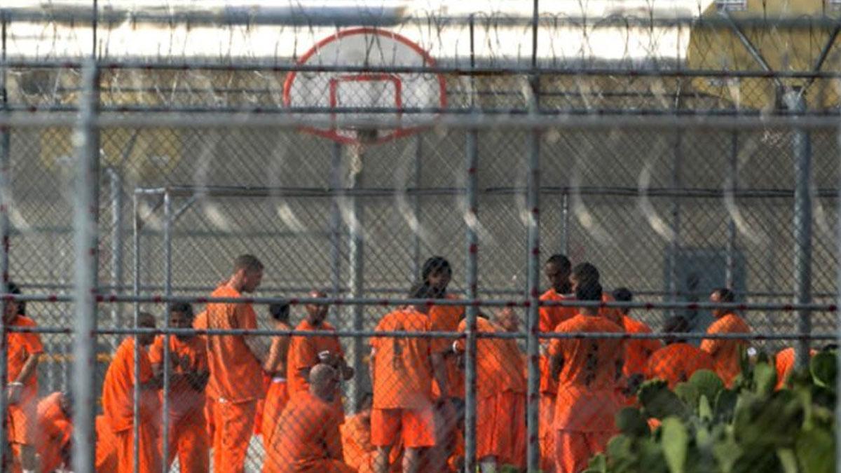ABD'de cezaevleri protestolar nedeniyle dışarıya kapatıldı